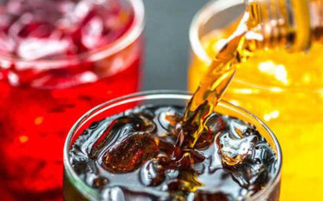 Uống nước ngọt có gây tử vong sớm? Chuyên gia cảnh báo điều còn đáng sợ hơn nhiều!