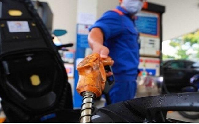 Xăng dầu đồng loạt tăng giá, cao nhất tăng gần 400 đồng/lít