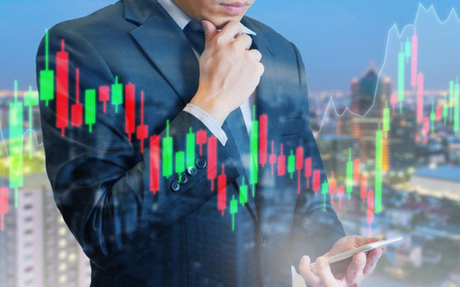 """Công ty chứng khoán khuyến nghị nhà đầu tư hạn chế bán tháo và có thể xem xét """"bắt đáy"""""""
