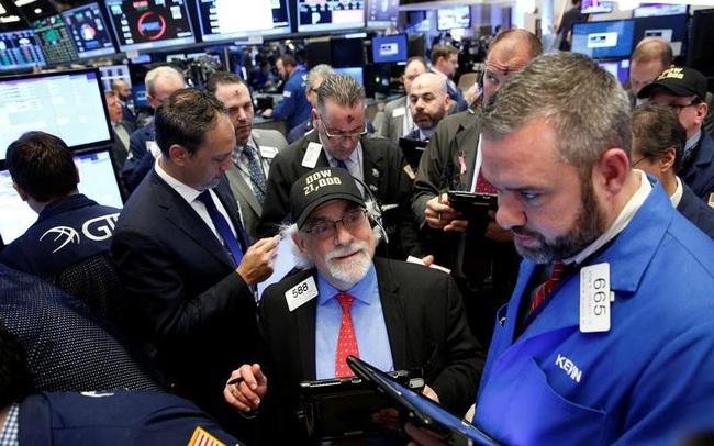 Phố Wall đồng loạt hồi phục sau phiên bán tháo, Dow Jones tăng 300 điểm