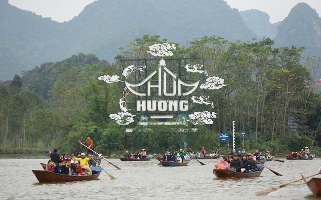 Lễ hội Chùa Hương, Yên Tử... sẽ thế nào khi dịch COVID-19 bất ngờ bùng phát?