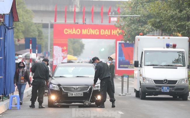 An ninh siết chặt đảm bảo phòng chống COVID-19 phục vụ Đại hội Đảng