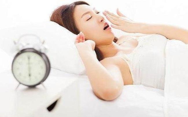 """Cứ duy trì """"3 không'' khi dậy sớm, ''3 không'' trước khi đi ngủ đảm bảo sẽ khỏe mạnh sống lâu"""