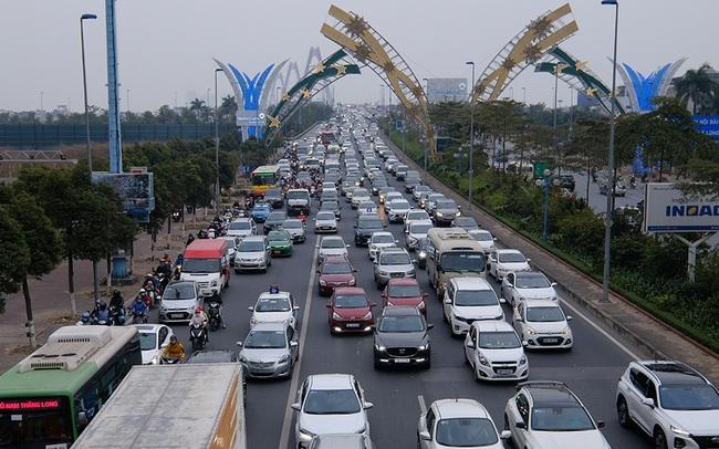 Cầu Nhật Tân 'thất thủ' trong ngày cuối nghỉ Tết Dương lịch