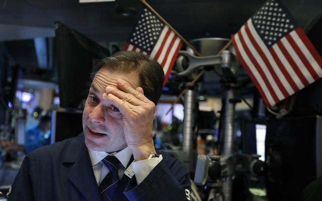 Tình trạng đầu cơ bao trùm Phố Wall, Dow Jones rớt hơn 600 điểm, chứng kiến tuần tồi tệ nhất kể từ tháng 10