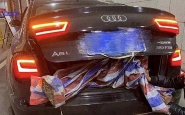 Trung Quốc: Nhà máy nhét thi thể nhân viên vào cốp xe, mang đến nhà tang lễ