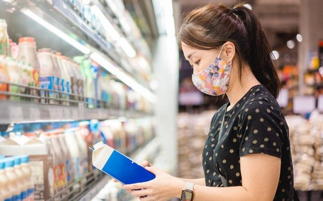"""Nguyên Viện phó Viện Dinh dưỡng lý giải nhãn """"không chất bảo quản"""" trên vỏ hộp sữa"""