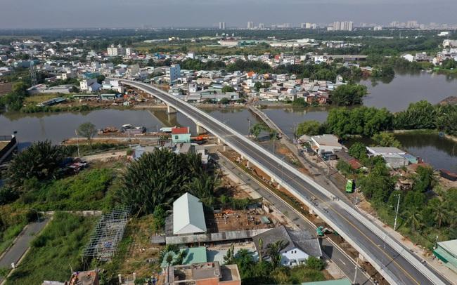 Thông xe cây cầu hơn 400 tỉ đồng tại huyện Nhà Bè