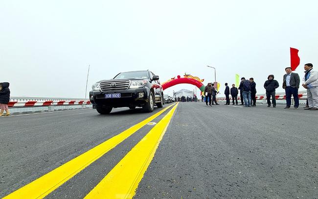 Chính thức thông xe cầu Thăng Long sau 6 tháng dừng hoạt động để sửa chữa