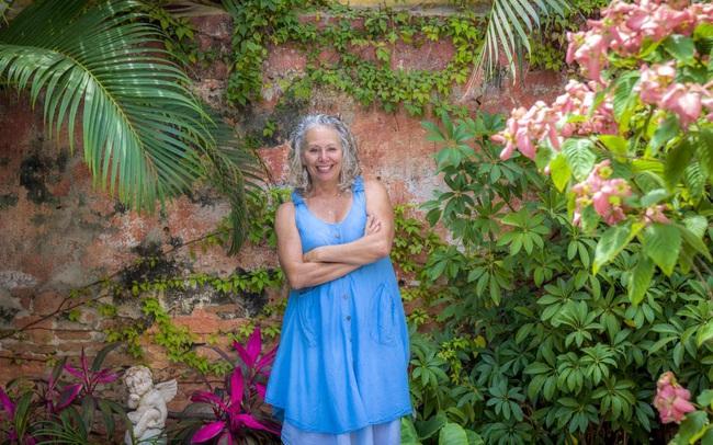 Từ bỏ cuộc sống hối hả xô bồ, nữ nhà văn 50 tuổi tìm về quê hương: Nửa sau cuộc đời tôi muốn ưu tiên cho hạnh phúc!