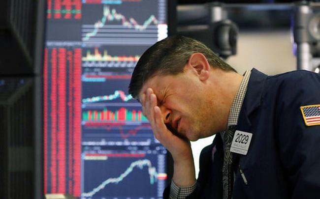 Tháng tồi tệ của thị trường chứng khoán đã qua đi nhưng sóng gió chưa hề biến mất