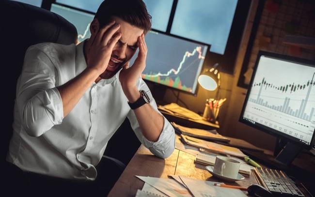 Từng trải qua tuổi 20 nợ đầm đìa, chuyên gia tài chính đưa ra 6 lời khuyên đầu tư đắt giá để bạn không đi vào vết xe đổ