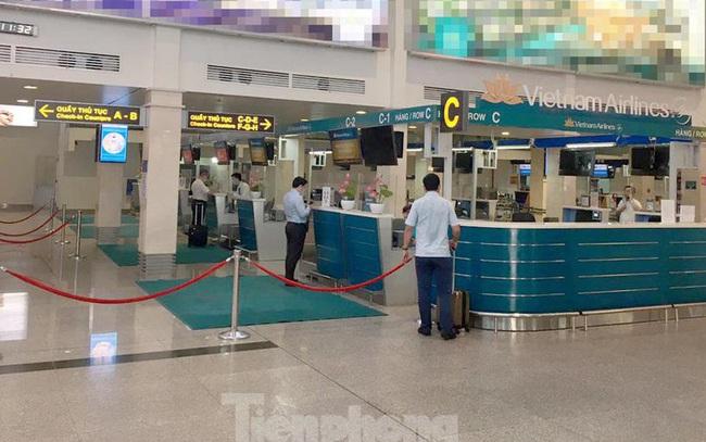 Mở cửa sân bay Tân Sơn Nhất, nhiều chuyến bay nội địa 'cháy vé'