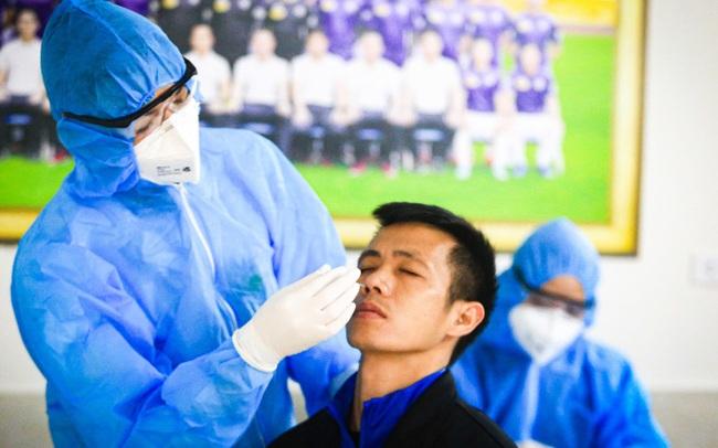 Người bệnh không phải chi trả xét nghiệm COVID-19 tại bệnh viện công lập