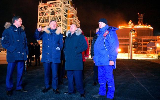 """Một công ty được Tổng thống Putin """"chúc phúc"""" sẽ giúp Nga gia tăng ảnh hưởng với châu Âu nhờ dòng khí đốt từ Bắc Cực"""