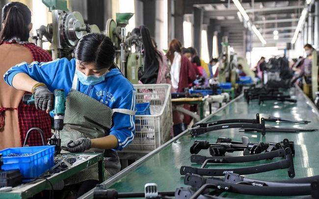Lạm phát giá tại cổng nhà máy Trung Quốc tăng cao nhất trong 26 năm
