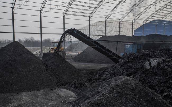"""New York Times chỉ ra điểm yếu """"chết người"""" của kinh tế Trung Quốc, thiếu điện chỉ là """"phần nổi của tảng băng"""""""