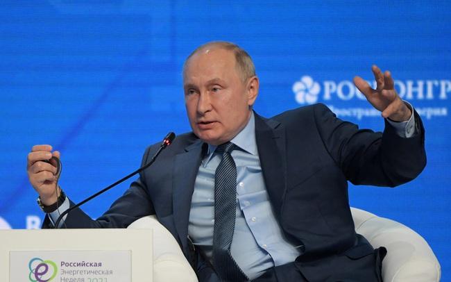 Tổng thống Putin khẳng định giá dầu có thể tăng lên mức 100 USD/thùng