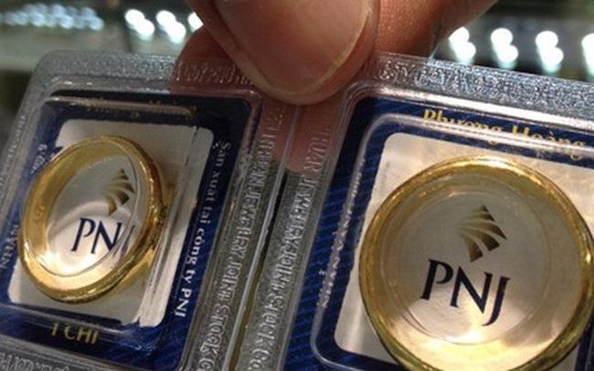 Giá vàng hôm nay 02/10: Tiếp tục neo cao, vàng trong nước đắt hơn thế giới trên 8 triệu đồng/lượng