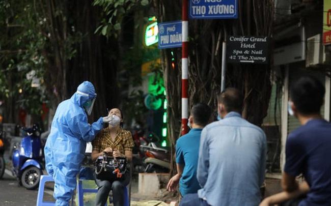 Trưa 2/10, Hà Nội phát hiện thêm nhân viên hộ lý và nhà ăn Bệnh viện Việt Đức mắc Covid-19