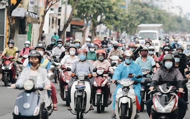 TP.HCM sáng đầu tuần sau nới lỏng giãn cách: Lâu lắm rồi mới thấy cảnh người dân chen chúc trên đường