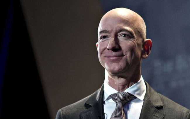 Chi gần 90 triệu USD, Jeff Bezos vừa có khoản đầu tư đầu tiên vào lĩnh vực thương mại điện tử của Đông Nam Á