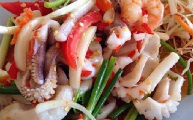 Ăn món gỏi, tái 'đã miệng', nhiều người Việt đang tự phá hủy đại trực tràng