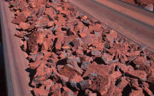 Giá quặng sắt cao nhất một tháng trong ngày giao dịch đầu tiên sau tuần nghỉ lễ ở Trung Quốc