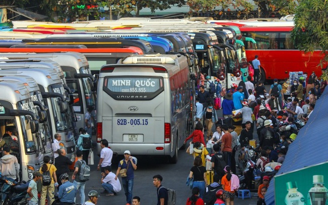 TP.HCM dự kiến mở cửa lại vận tải hành khách liên tỉnh sau 1/11, cho người dân du lịch đến các tỉnh khác