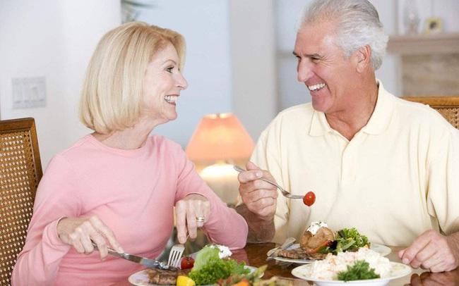 5 loại thực phẩm bổ dưỡng có thể 'níu kéo' sự khỏe mạnh: Đặc biệt chú ý để sức khỏe không 'tuột dốc' ở tuổi 50