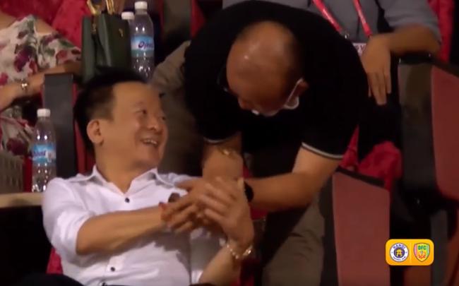 """BLV Quang Tùng: """"Bầu Hiển phản biện HLV Park cũng đúng, nhưng cần chính xác và công bằng!"""""""