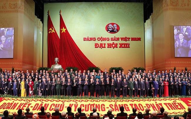 200 Ủy viên Ban Chấp hành Trung ương Đảng khóa XIII ra mắt Đại hội