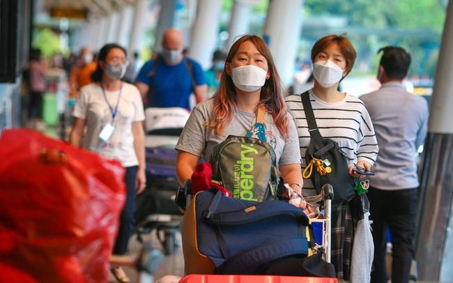Cận cảnh sân bay Tân Sơn Nhất ngày 20 tháng Chạp