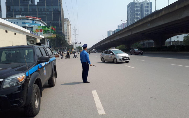 Phân luồng từ xa để các phương tiện tránh khu vực bị cách ly, phong tỏa