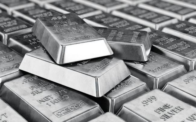 """Các quỹ đầu tư ồ ạt mua bạc, giá liên tục tăng vọt, cảnh báo """"bong bóng"""""""