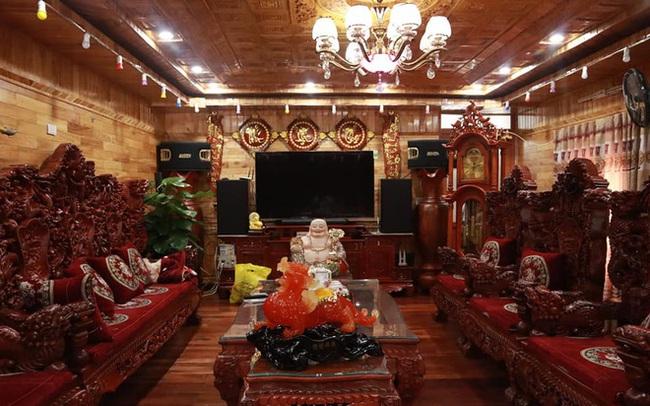Choáng với ngôi nhà dùng toàn gỗ hương quý hiếm, riêng bộ bàn ghế gỗ Rồng Khay Tứ Linh tốn 800 triệu