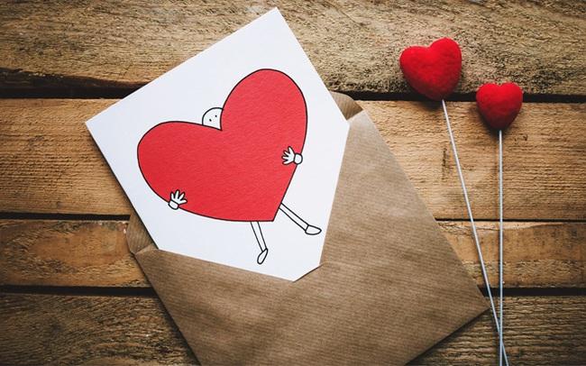 Ai là người đầu tiên gửi thiệp Valentine trên thế giới? Nguồn gốc tấm thiệp lãng mạn hóa ra lại bắt nguồn từ một câu chuyện tình buồn
