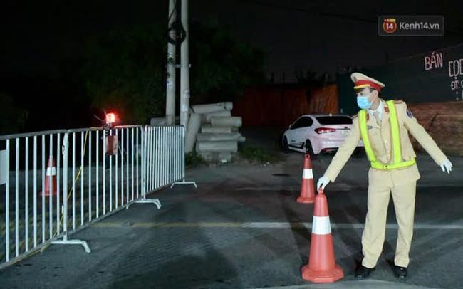 Hải Dương trước giờ giãn cách xã hội toàn tỉnh: Lực lượng xuyên đêm lập thêm 17 chốt kiểm dịch dọc Quốc lộ 5