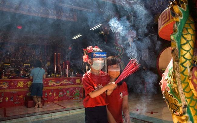 """Người Mỹ gốc Á """"ghen tị"""" với cuộc sống ở quê nhà, nêu lý do châu Á an toàn hơn trong đại dịch"""