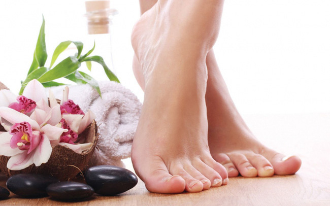 Động tác kiễng chân rất đơn giản, chỉ cần trì kiễng chân 3 phút mỗi ngày, cơ thể nhận 4 lợi ích này
