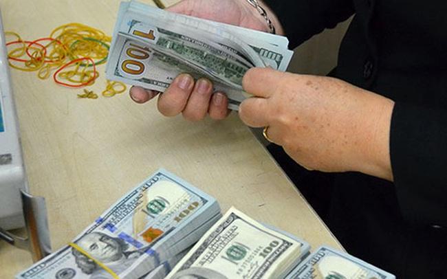 Sau Tết, giá USD ngân hàng bất ngờ tăng mạnh