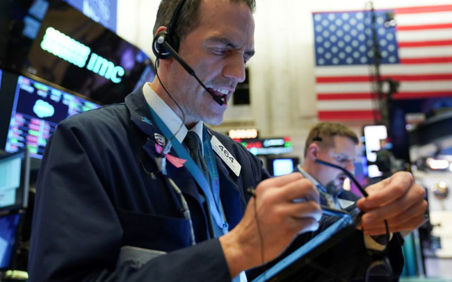 Tiết lộ đầu tư mới nhất của Warren Buffett giúp Dow Jones chạm đỉnh lịch sử dù cổ phiếu công nghệ rớt điểm