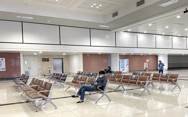 Dịch COVID-19 bùng phát trở lại, sân bay Nội Bài lại đìu hiu