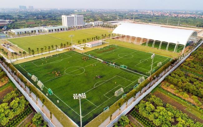 Vingroup tặng Trung tâm đào tạo bóng đá trẻ PVF cho Tập đoàn Giáo dục Văn Lang của ông Nguyễn Cao Trí