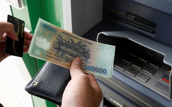 Tiếp tục tăng nhanh, lãi suất VND doãng rộng chênh lệch với USD trên liên ngân hàng