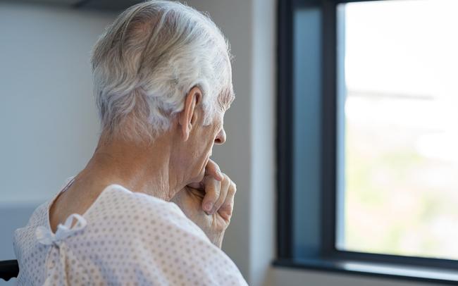 """Tuổi càng cao tế bào ung thư càng """"lộng hành"""": Thủ phạm mới được tìm ra là một sản phẩm phụ của quá trình tiêu hóa"""