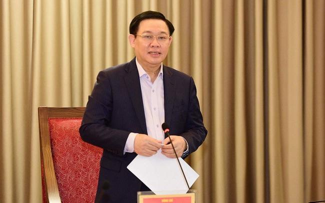 Bí thư Thành uỷ Vương Đình Huệ: Ưu tiên bố trí ngân sách mua vắc xin phòng ngừa COVID-19 cho toàn bộ người dân Thủ đô