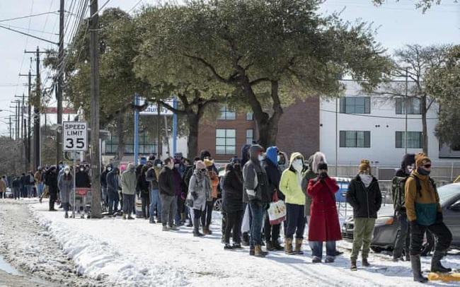 Tại sao thời tiết giá lạnh khiến hàng triệu người tại Texas phải sống trong cảnh mất điện?