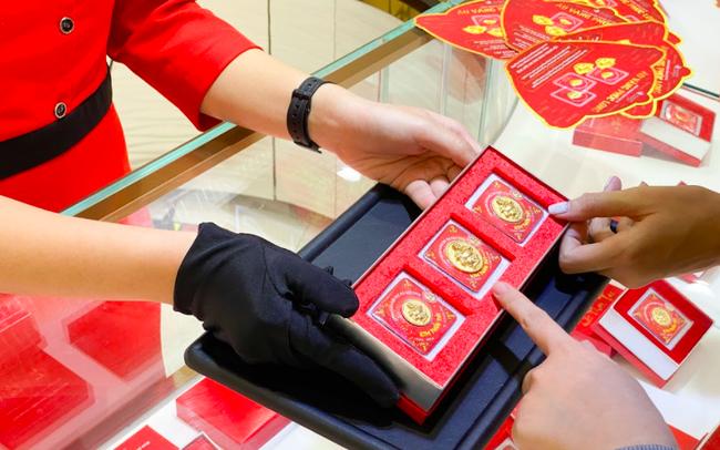 Thị trường vàng Châu Á sôi động nhờ giá giảm