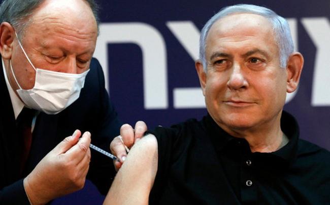 Cách vận hành của xã hội tiêm vaccine Covid-19 ở Israel: Lời cảnh tỉnh đáng sợ cho thế giới?